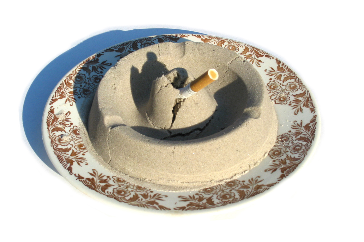 Sandy ashtray | 2003
